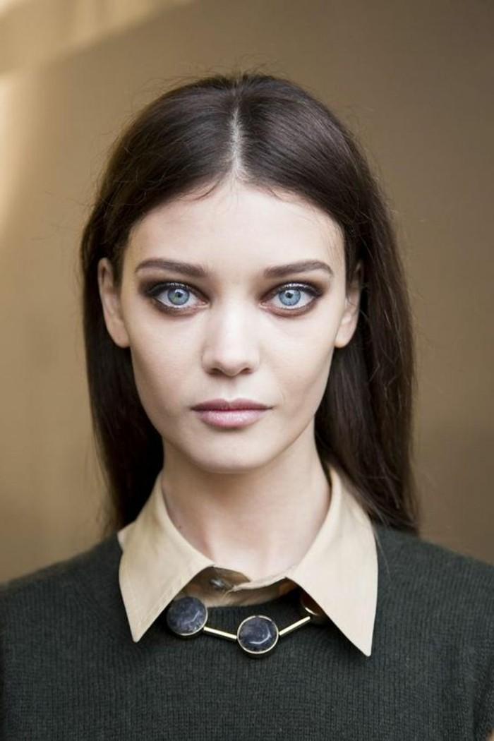 apprendre-a-se-maquiller-les-yeux-fard-a-paupiere-yeux-bleu-apprendre-a-se-maquiller-bien