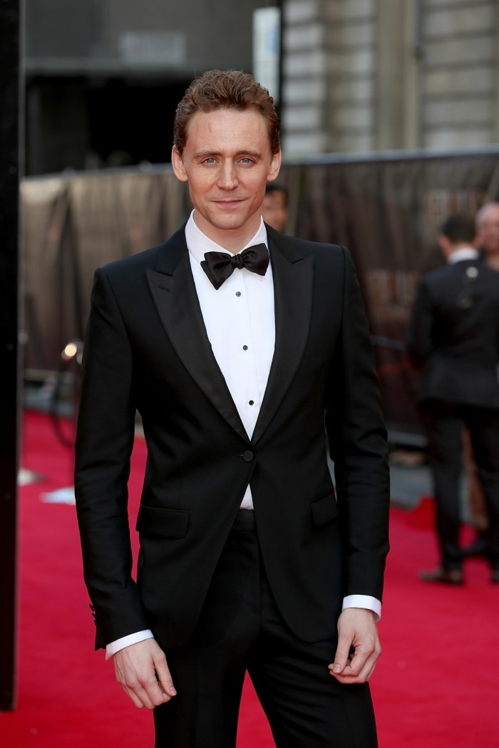 Tom-Hiddleston-tenue-costume-trois-pièces-costume-marié-homme