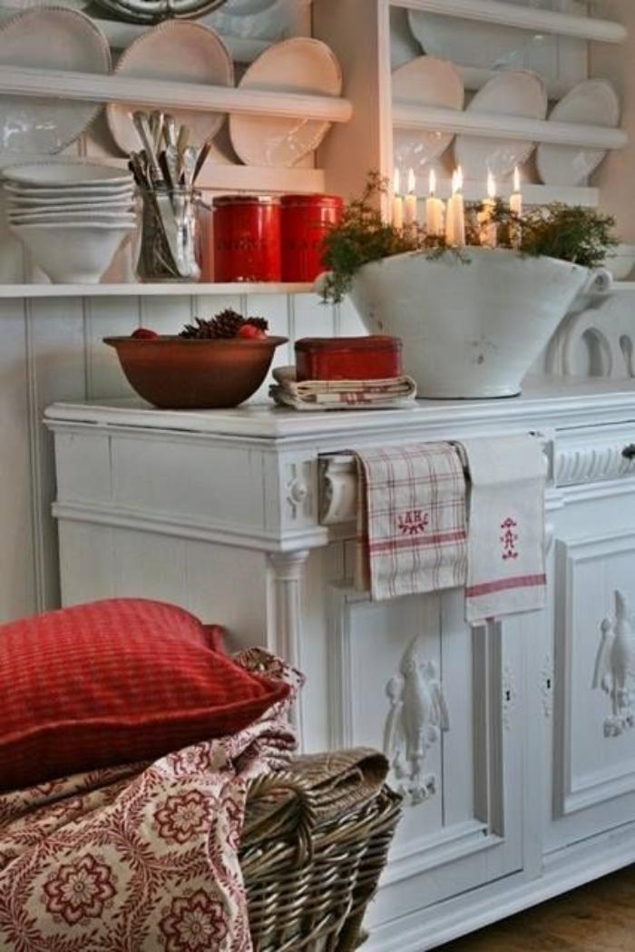 buffet-de-salle-à-manger-étagères-blanches-pour-ustensile