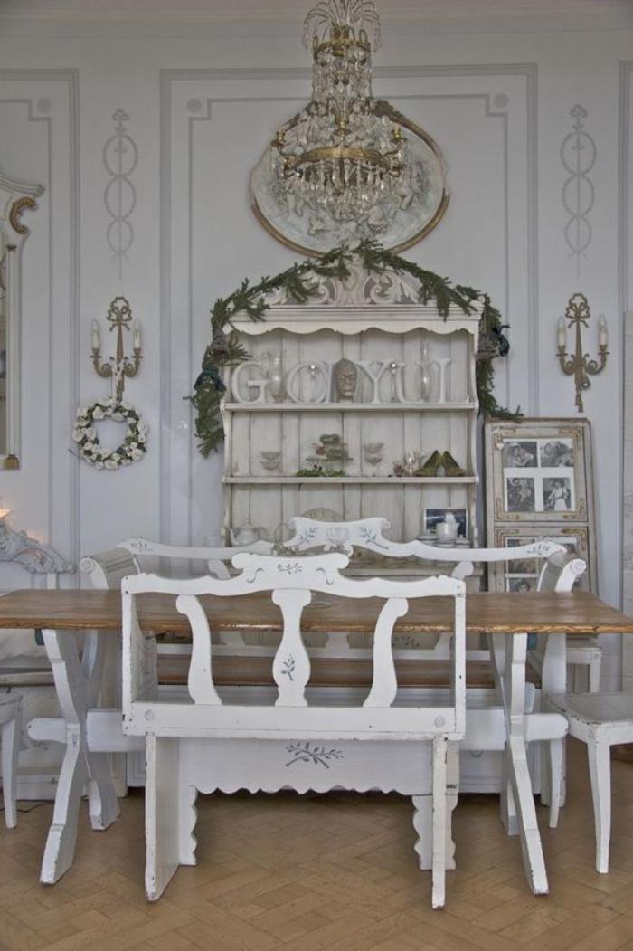 buffet-de-salle-à-manger-avec-rangement-ouvert