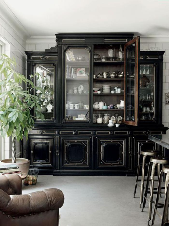 buffet-de-salle-à-manger-massif-bois-noir-tabourets-de-bar-métalliques