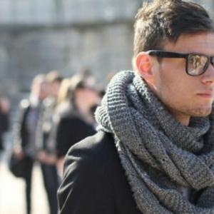 Une écharpe pour homme - quelle est la meilleure option pour vous?