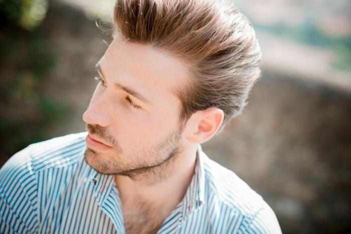 cheveux pais homme comment choisir la bonne coupe de cheveux mi longue. Black Bedroom Furniture Sets. Home Design Ideas