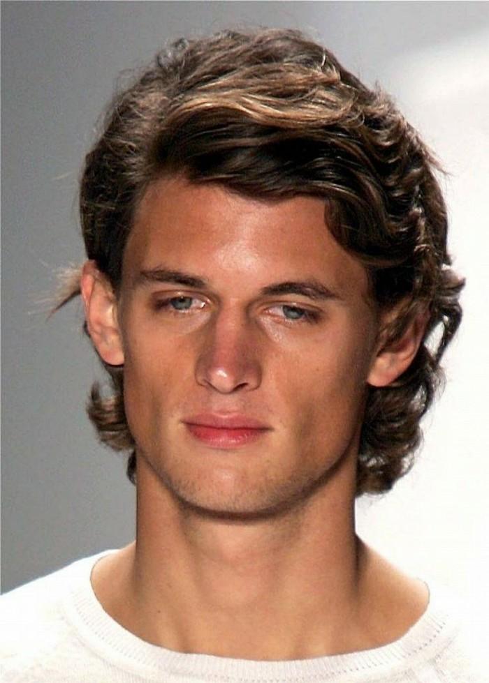 Coupe de cheveux pour cheveux Г©pais et serrГ©s pour hommes