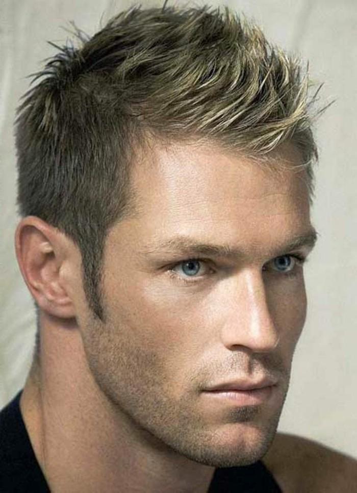 cheveux-épais-homme-meche-blonde-homme