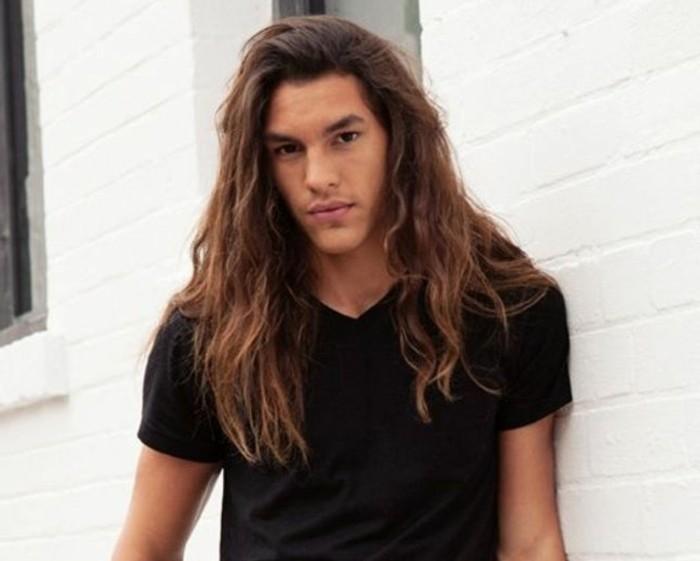 cheveux-long-homme-coup-de-cheveux-homme