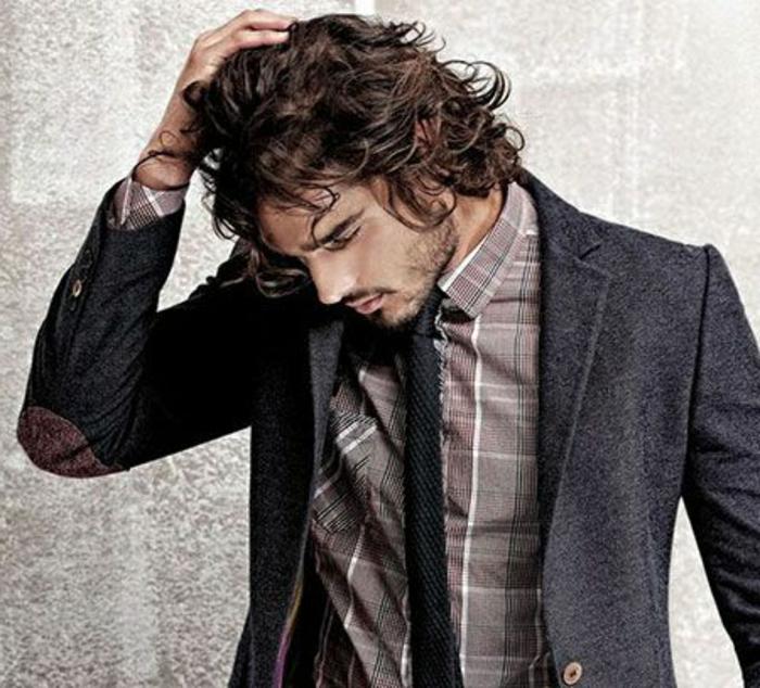 cheveux,longs,boucles,homme,cheveux,frises,commen,choisir,