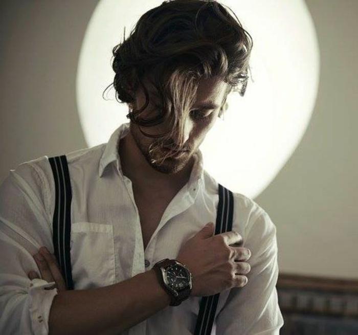 coiffure-cheveux-bouclés-homme-long-quelle-coupe-de-cheveux-choisir