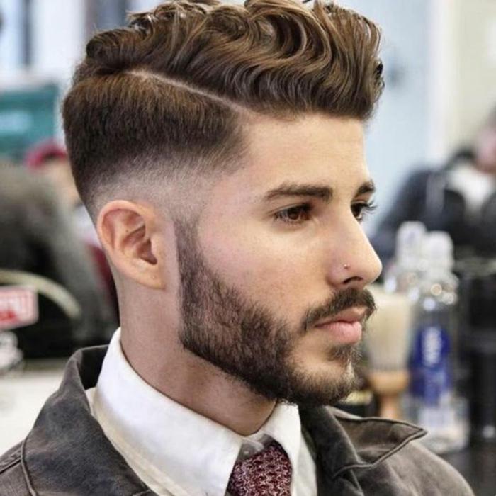 coiffure-cheveux-bouclés-quelle-coiffure-chosir-court-sur-les-cotes-long-au-top