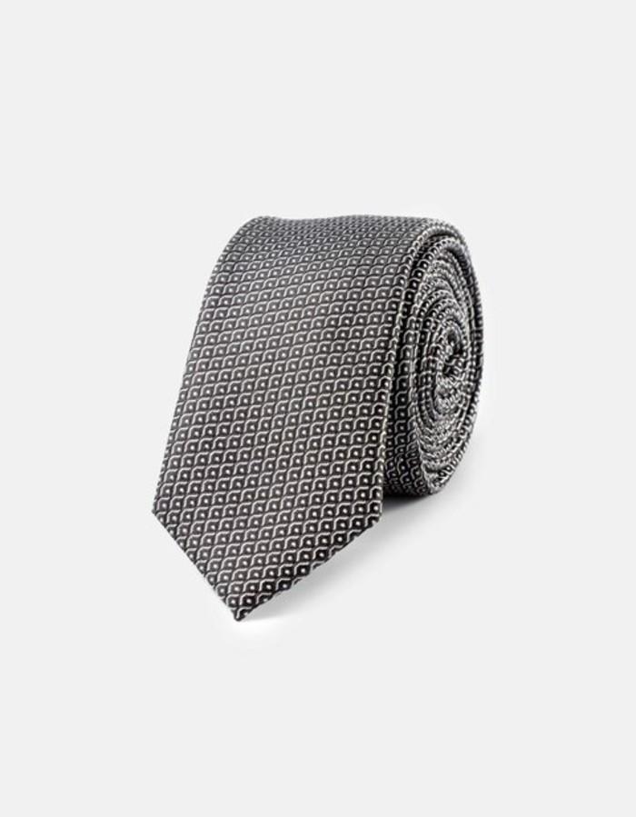 cool-cravate-à-détails-moderne-pour-costume-casuel