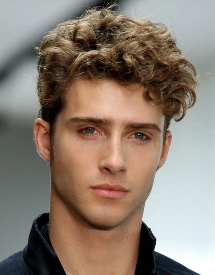 coupe-cheveux-homme-coupe-de-cheveux-courte