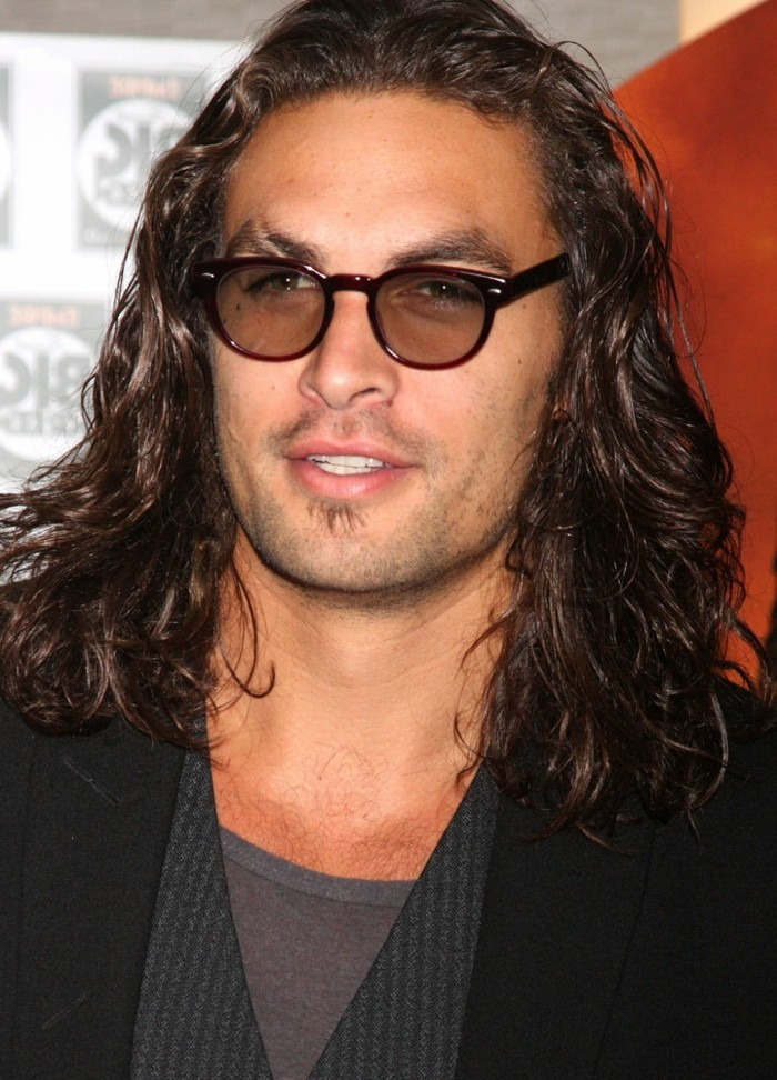 cheveux-long-homme-coupe-de-cheveux-homme-mi-long