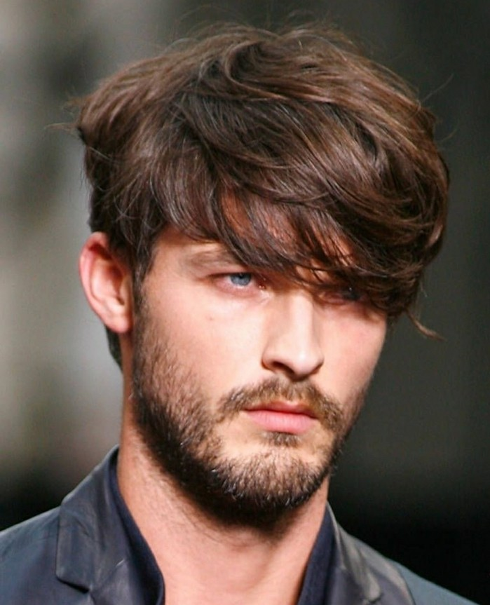Technique coupe cheveux homme mi long
