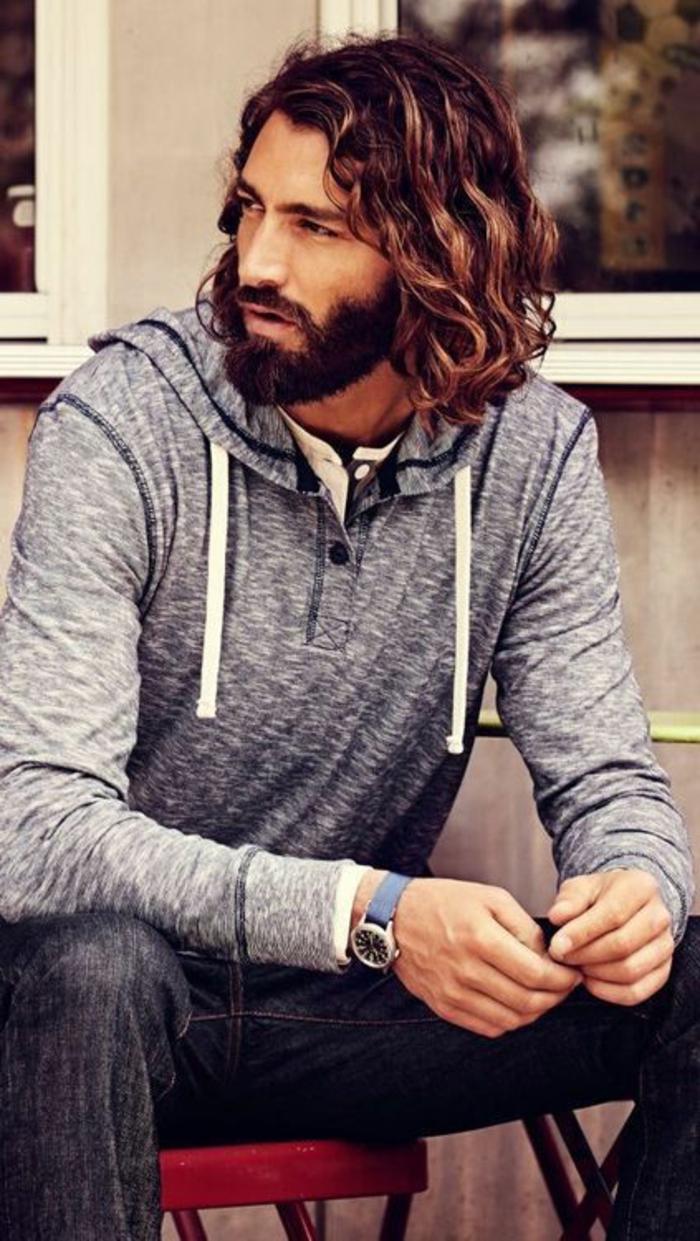 coupe-de-cheveux-longs-homme-comment-coupez-vos-cheveux-idee-coiffure-homme
