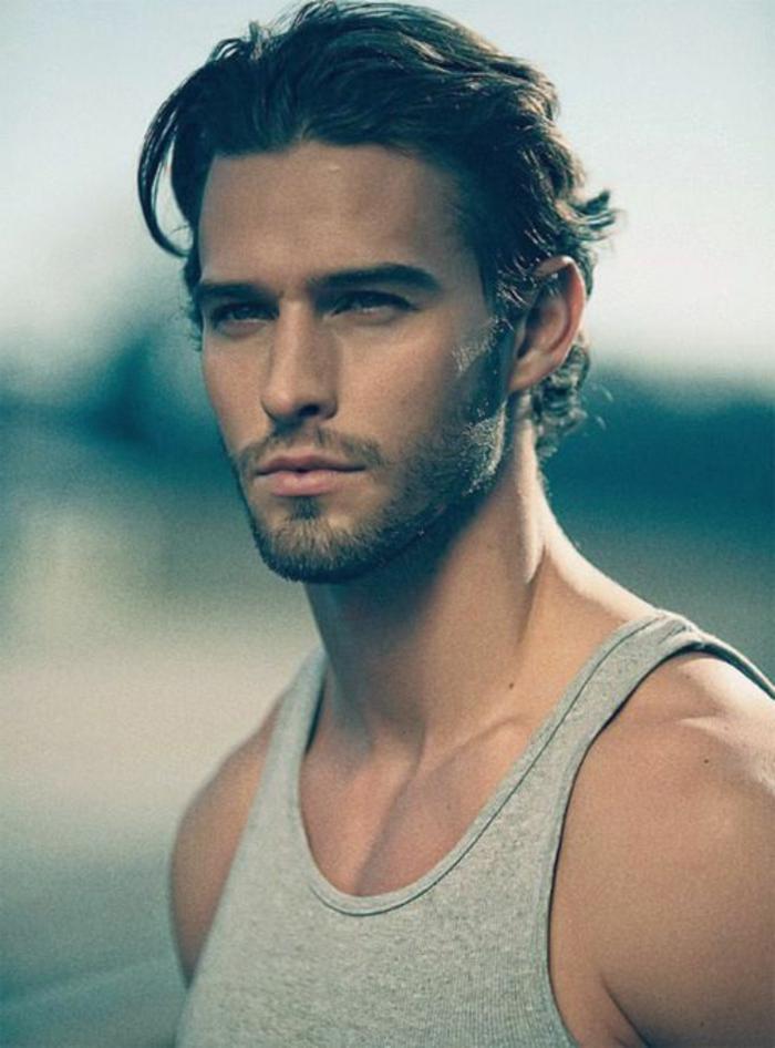 coupe-long-chveux-frisés-homme-quelle-coupe-de-cheveux-choisir-coupe-de-cheveux-court-homme