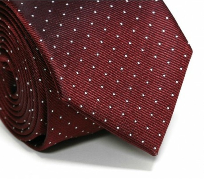 cravate-bordeaux-à-pois-blanc-washington-à-points