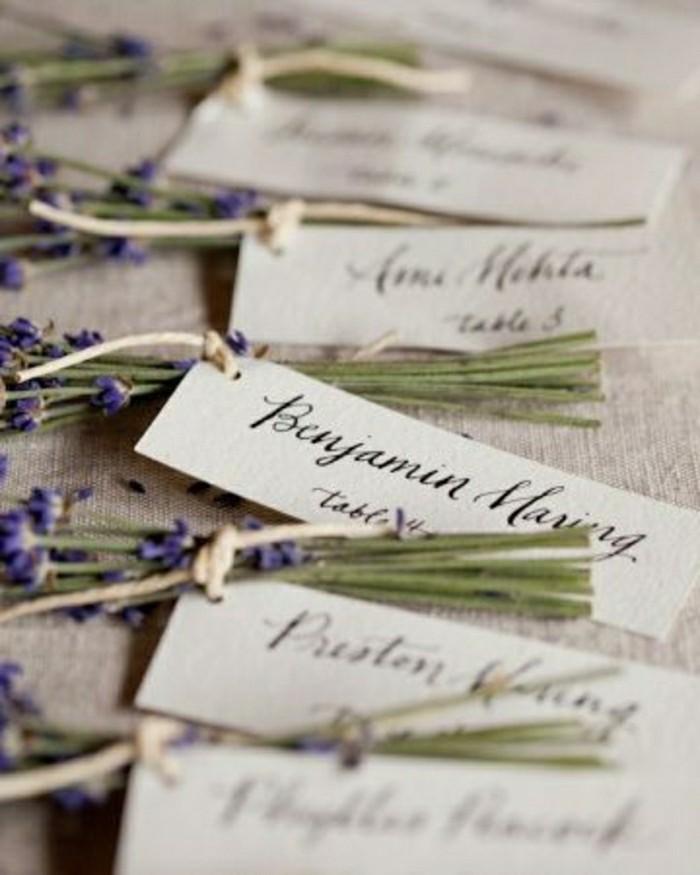 déco-pas-cher-pour-la-table-mariage-avec-fleurs-chapetre-et-papier