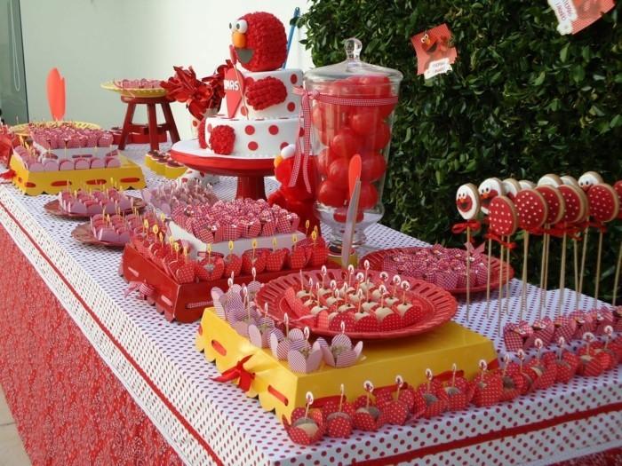 déco-table-anniversaire-deco-salle-anniversaire
