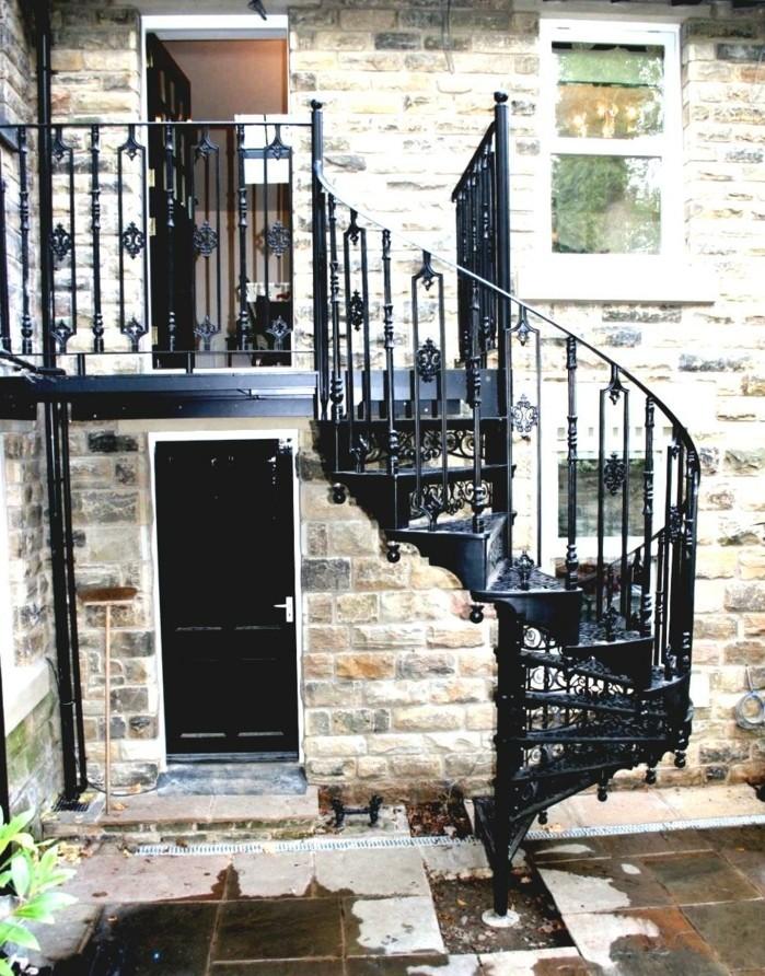 escalier-colomaçon-exterieur-design-escalier-metal-exterieur