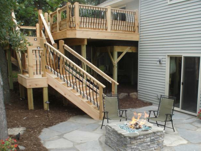 escalier-extérieur-bois-design-escalier-terrasse