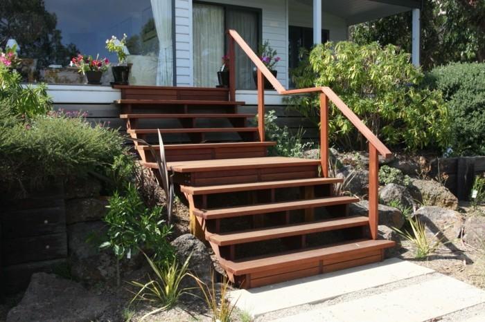 escalier-extérieur-bois-escalier-droit-au-goût-rétro