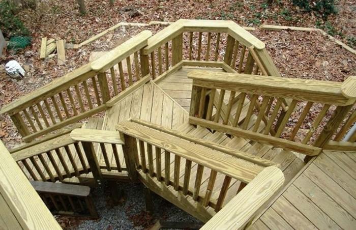 escalier-extérieur-bois-escalier-tournant-design-simple