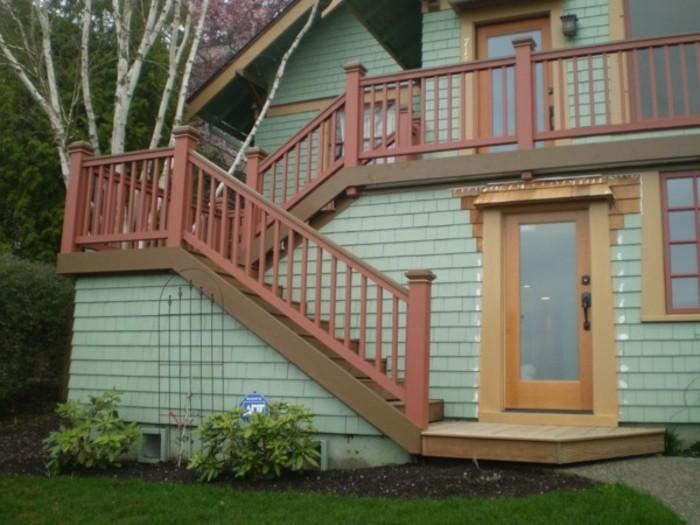 escalier-exterieur-modele-escalier-demi-tournant-idée-peinture-escalier-extérieur