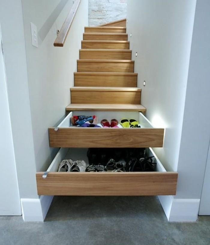 escalier-moderne-escalier-en-bois-avec-des-rangements-sous-les-marches