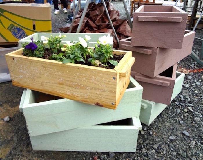 fabriquer-une-jardinière-en-bois-conseils-peindre-outils