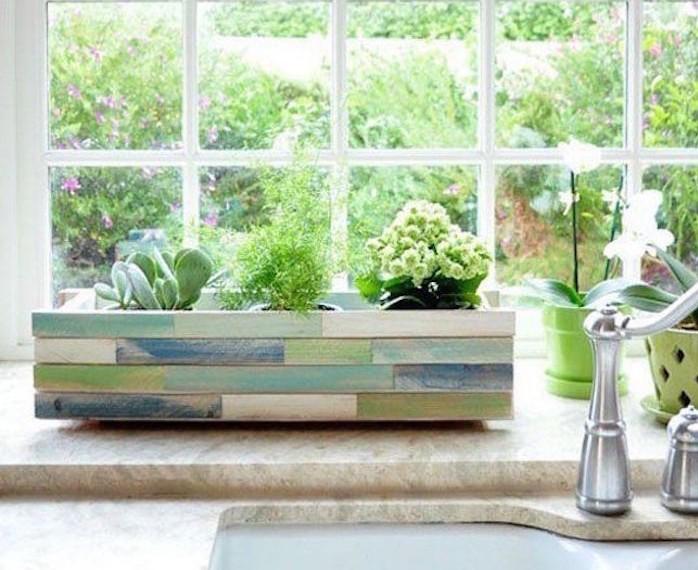 fabriquer-une-jardinière-en-bois-pas-cher-jolie-maison-jardiniere