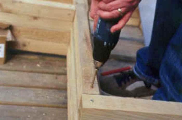 fabriquer-une-jardinière-en-bois
