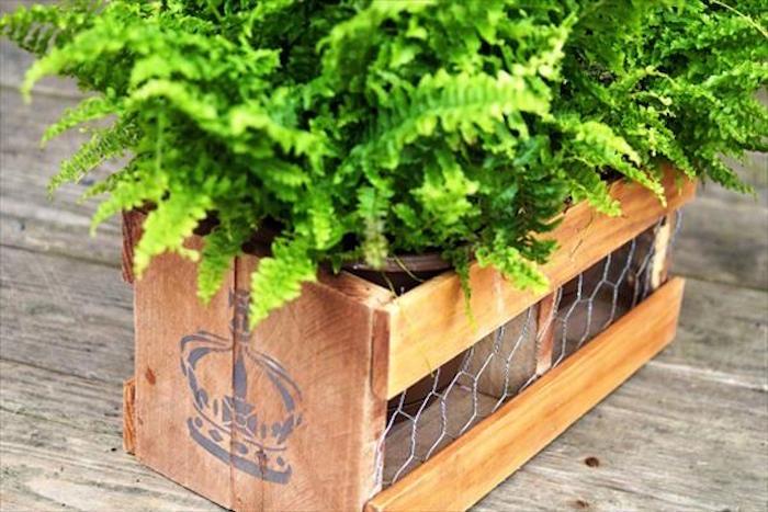 fabriquer-une-jardinière-jardiniere-en-bois-pas-cher