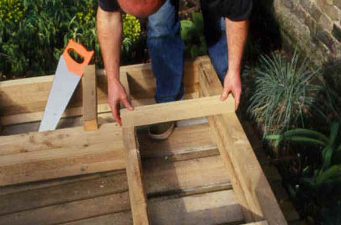 faire-jardiniere-bois-tuto:comment-astuce-aide