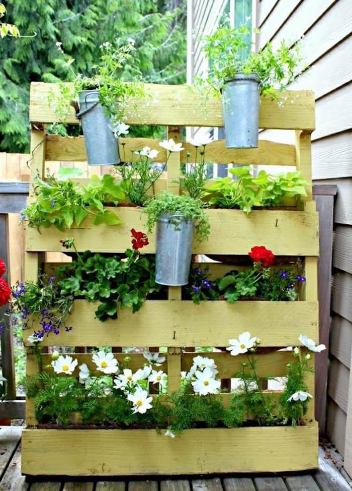 Jardiniere Bois Pas Cher : faire-une-jardiniere-en-palette-en-bois-pas-cher