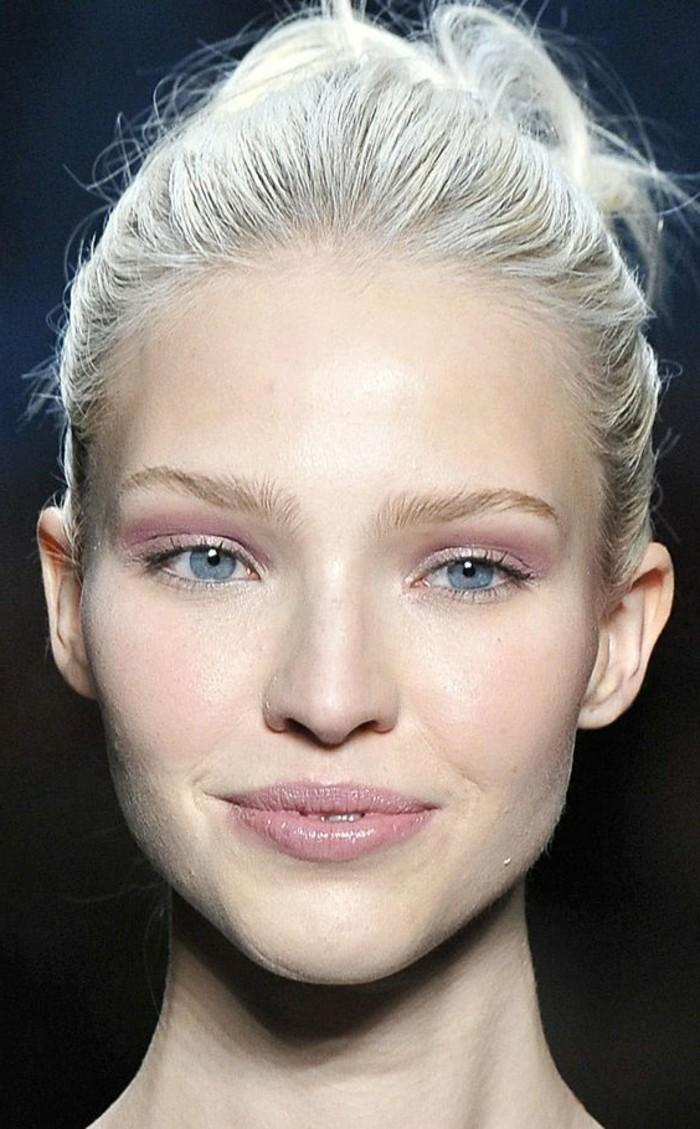 Maquillage yeux clair id es de conception sont int ressants votre d cor - Fard a paupiere yeux marron ...