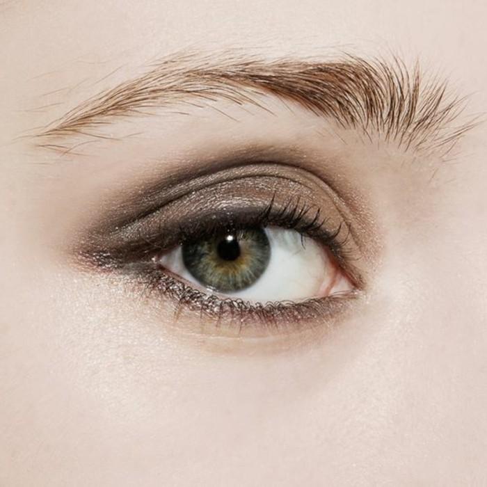 comment maquiller les yeux verts 50 astuces en photos et. Black Bedroom Furniture Sets. Home Design Ideas