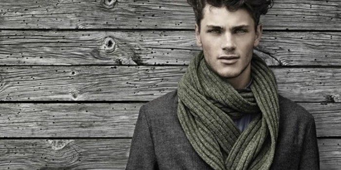 habiller-bien-une-écharpe-en-soie-pour-homme-idee
