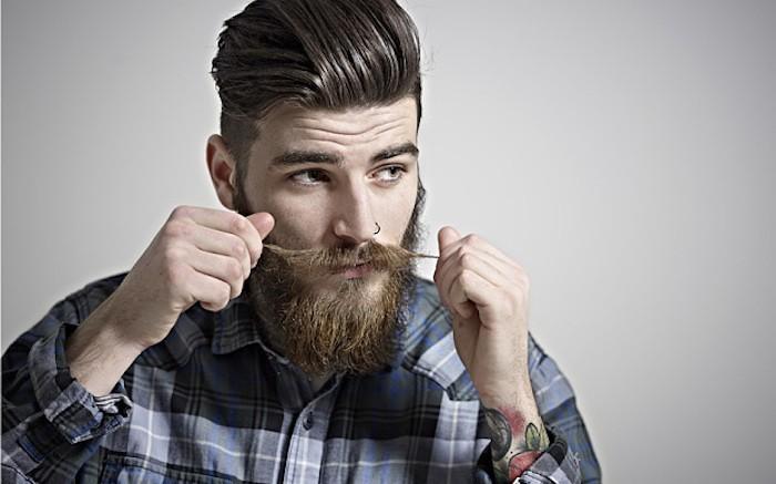 homme-avec-barbe-moustache