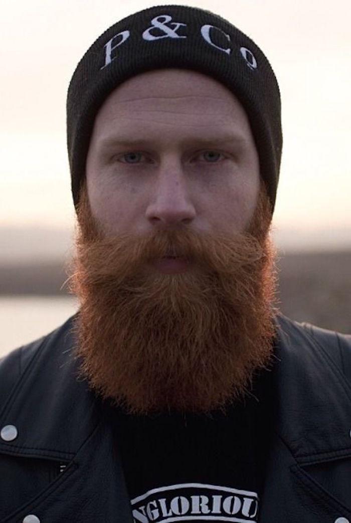 homme-avec-longue-barbe