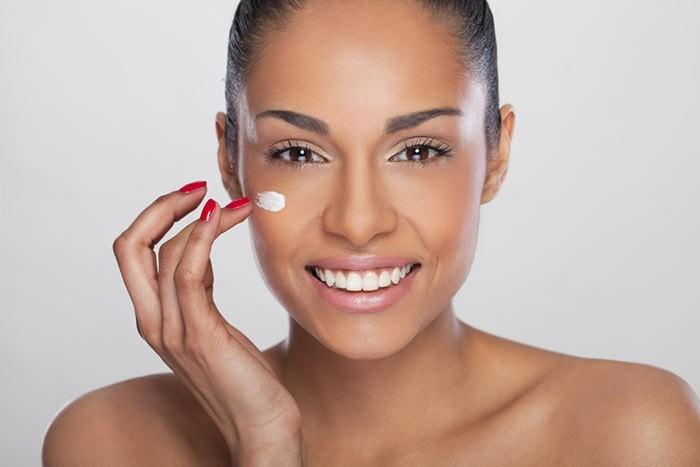 hydratation-visage-comment-choisir-les-bons-produits-cosmetiques-bio-pas-cher