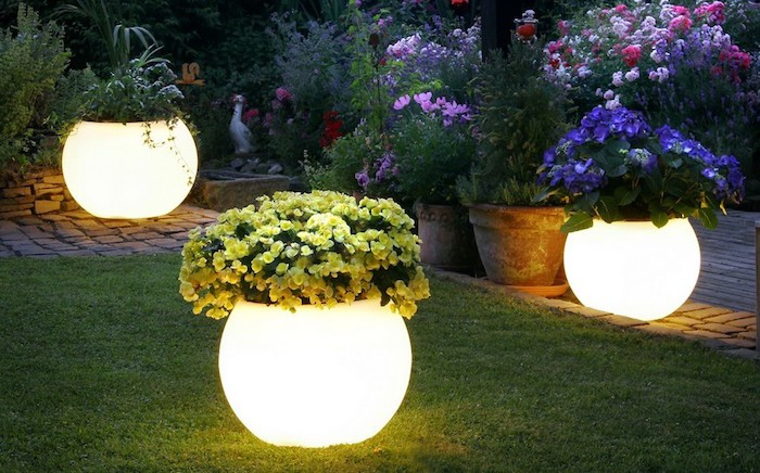 idee-amenagement-jardin-lumiere