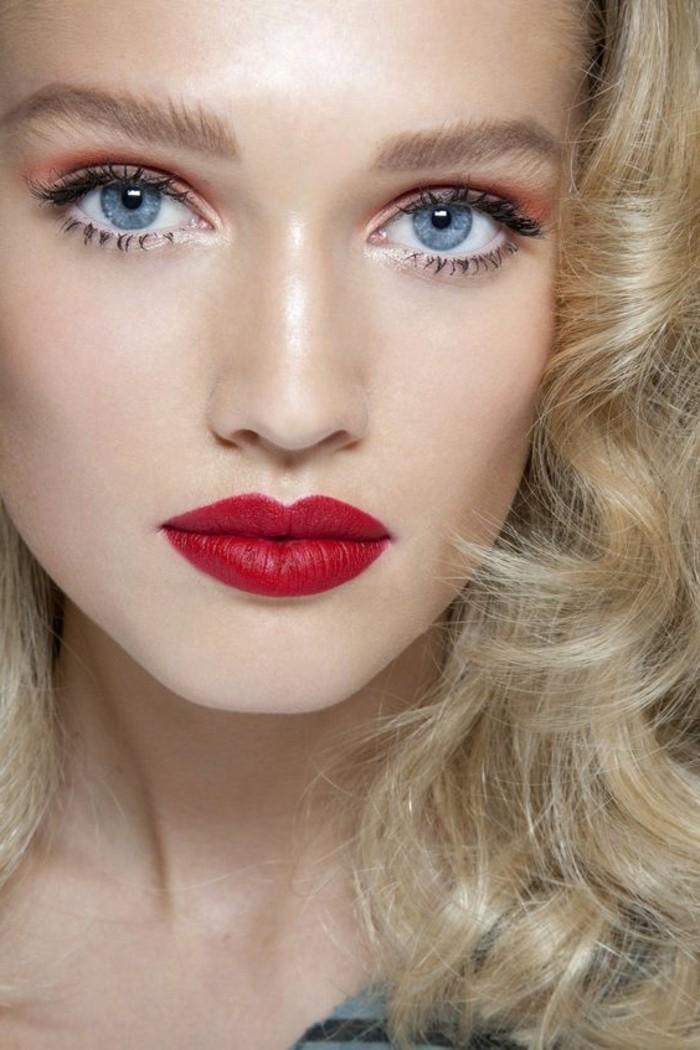idee-tuto-maquillage-yeux-bleus-avec-levres-en-rouge-foncé-apprendre-a-se-maquiller-les-yeux