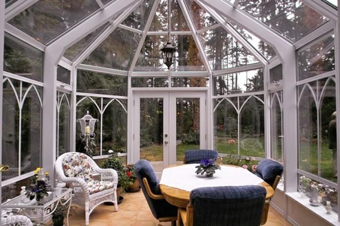 intérieur-veranda-style-victorien-très-lumineuse-déco-veranda-style-vintage