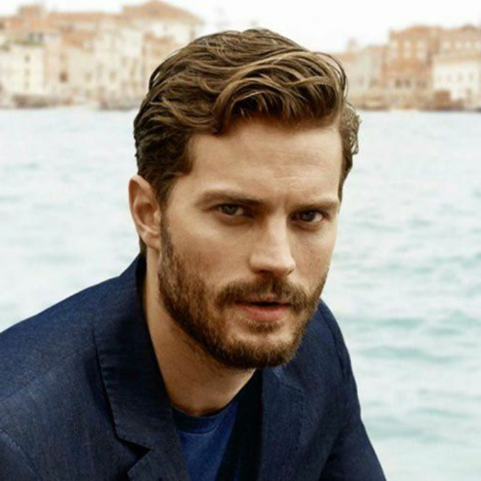 coiffure de star homme 15 jamie dornan coupe de cheveux homme boucles quelle homeezy. Black Bedroom Furniture Sets. Home Design Ideas