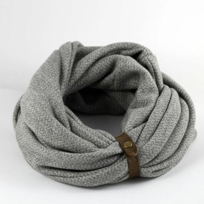 jolie-echarpe-pour-homme-modern-et-élégant