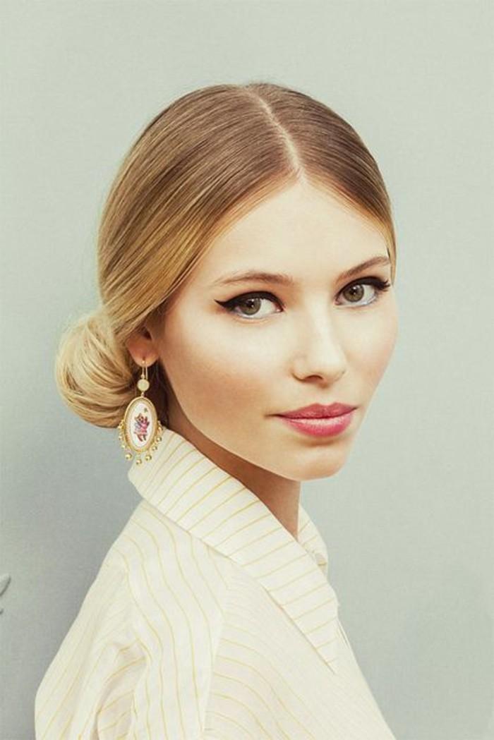 jolie-fille-bien-maquiller-comment-choisir-son-fond-de-teint-selon-la-couleur-de-visage