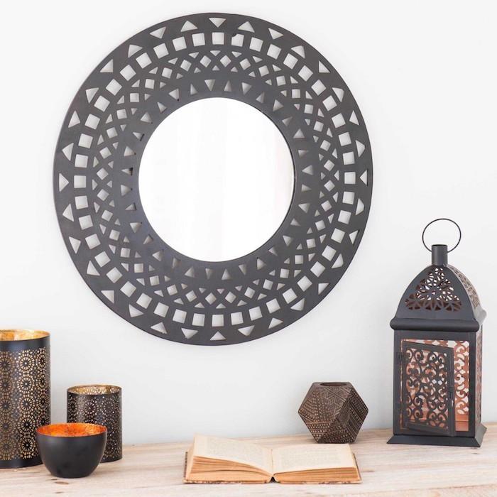 lanterne jardin elegant lanterne toro et bassin jardin japonais agrandir luimage with lanterne. Black Bedroom Furniture Sets. Home Design Ideas