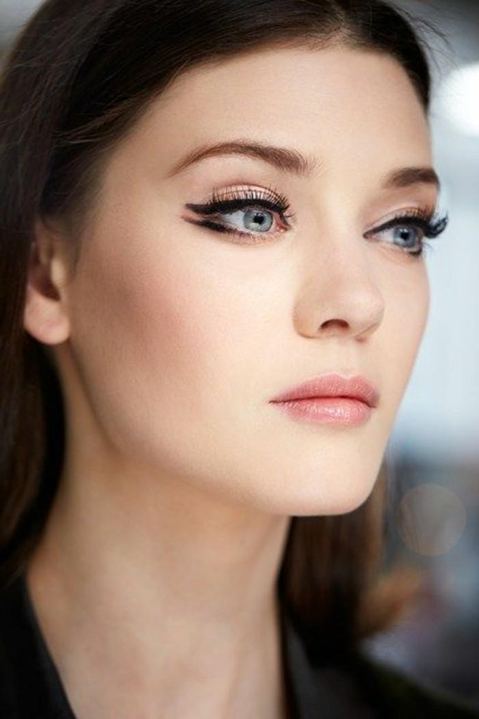 leçon-de-maquillage-yeux-bleus-maquillage-paupiere-technique-de-maquillage-facile