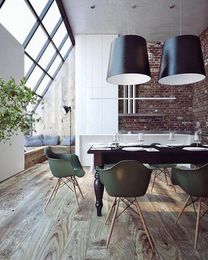 luminaire-de-salle-à-manger-deux-grandes-suspensions-au-dessus-de-la-table-à-manger