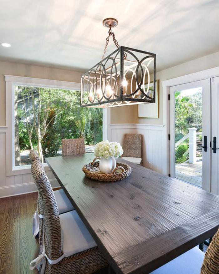 luminaire-de-salle-à-manger-grande-table-en-bois-rectangulaire